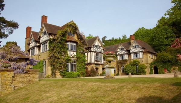 Kết quả hình ảnh cho Hurtwood House, Anh