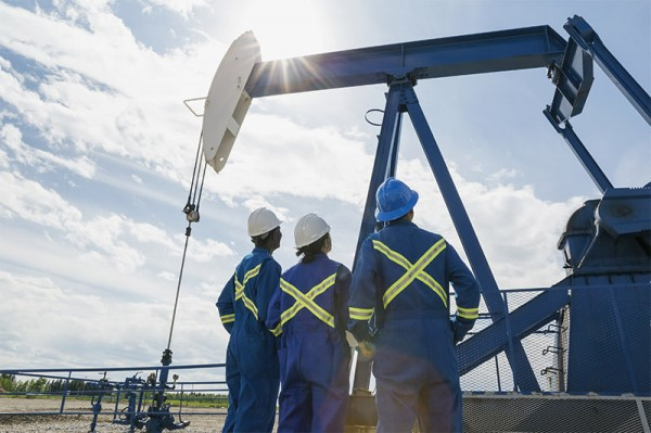 jobs-2015-02-oil-gas-drilling-supervisor-508066665-hero-getty-600x399