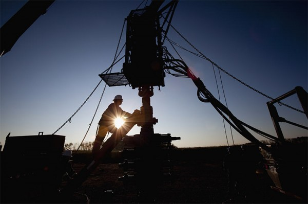 jobs-2015-17-oil-gas-well-operator-97767486-dan-bannister-tetra-getty-600x399